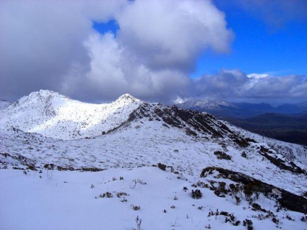 Ridge line in snow