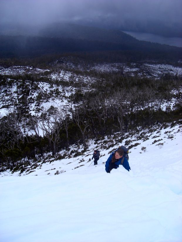 Climbing up to the ridge that leads towards Rufus.. hard work in the snow