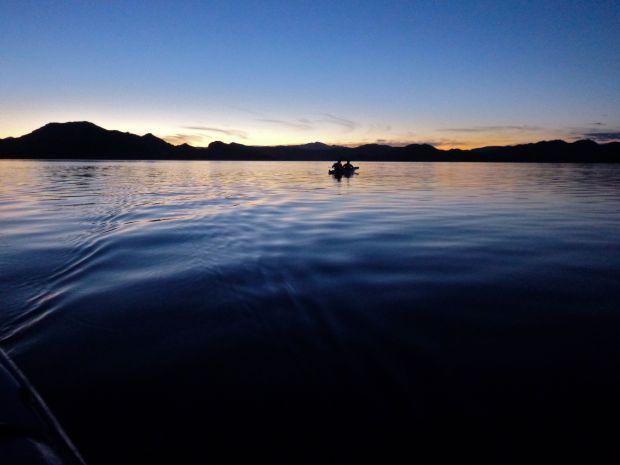 The evening paddle back :D