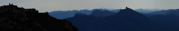 Oh the mountains and ridges, painted in shades of blues.. look closely and there's even Frenchmans there!